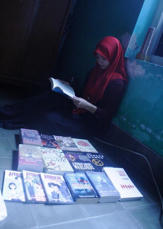 Nana dan buku evi